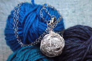 yarn-necklace