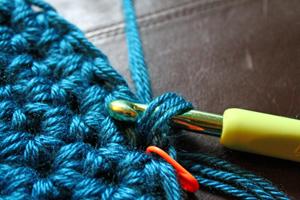 DIY crochet patterns & tutorials from PurlsAndPixels
