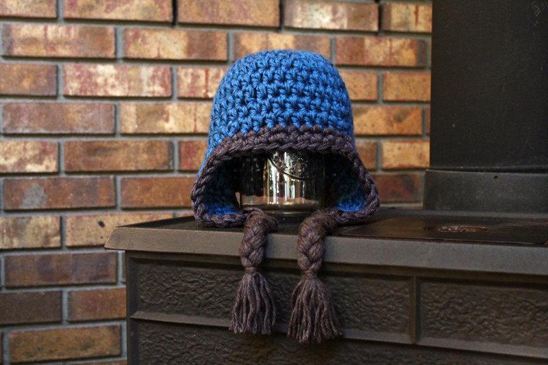 Crochet Earflap Hat a crochet pattern by PurlsAndPixels
