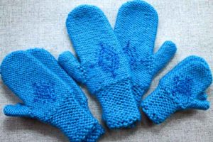 Anna's Frozen mittens woman, girls, toddler