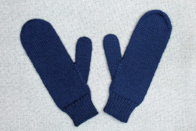 Simple hand knit mittens for men from PurlsAndPixels