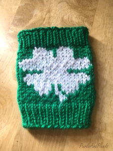 Lucky shamrock coffee cozy St. Patrick's Day free knitting pattern ,design from Liz @PurlsAndPixels
