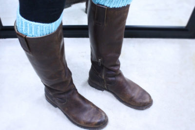 Leg warmers as boot cuffs, knitting pattern, designed by Liz Chandler @PurlsAndPixels